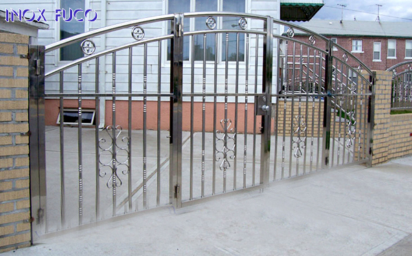 Mẫu cổng INOX 79